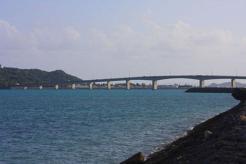 日本沖繩租車自助行~第三天下午~海中道路+製鹽場